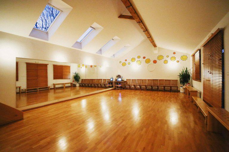 ini mini nasi prostori pilates vadba za starejse vadba za zenske otroke