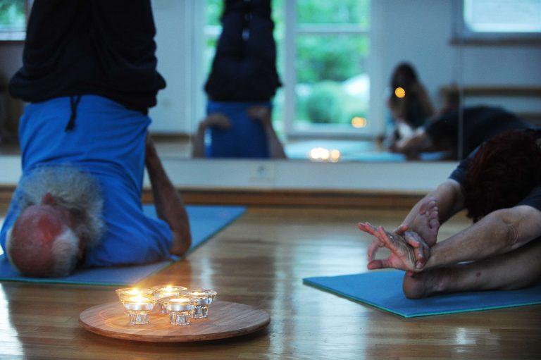 prilagojena joga za zenske