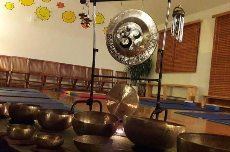 tibetanska zvocna kopel z gongi