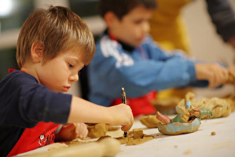 oblikovanje gline otroci ini mini brezovica ljubljana